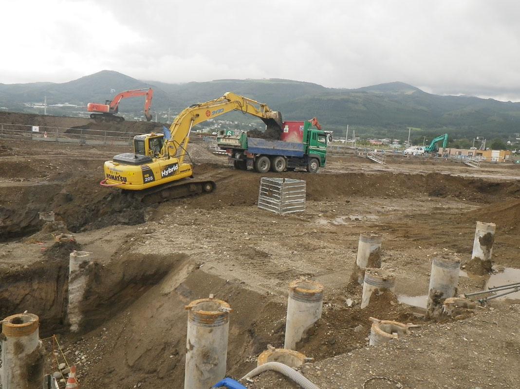 北海道新幹線函館総合車両基地土木・建築関連工事 2015年
